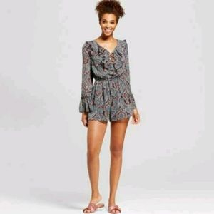 Xhilaration long sleeve romper xxl juniors 10/12 w